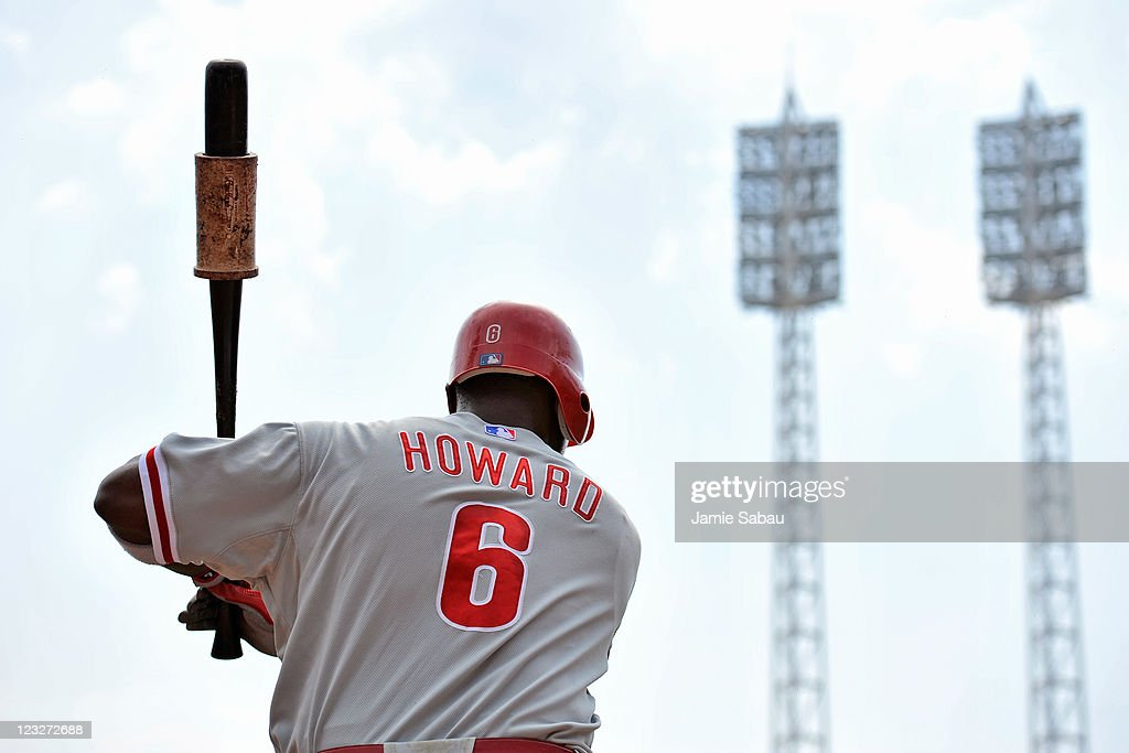 Ryan Howard #6 of the Philadelphia Phillies warms up before batting against the Cincinnati Reds at Great American Ball Park on September 1, 2011 in Cincinnati, Ohio. Howard had a home run in a 6-4 Phillies win over the Reds.