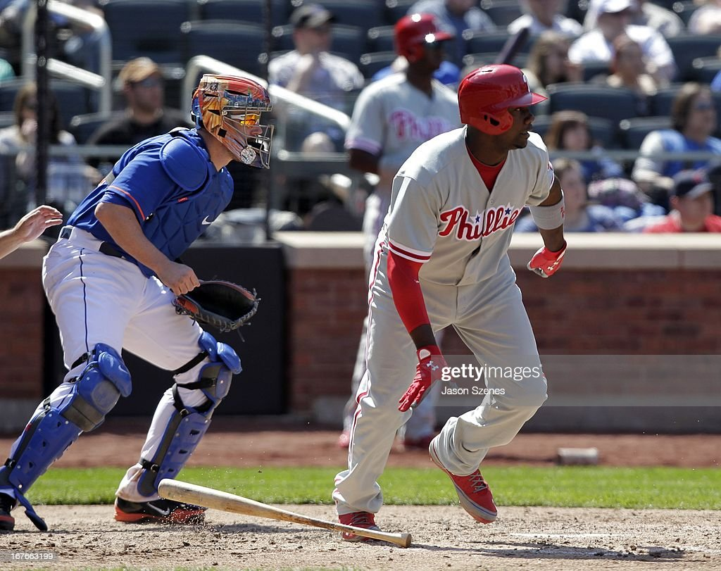 <a gi-track='captionPersonalityLinkClicked' href=/galleries/search?phrase=Ryan+Howard&family=editorial&specificpeople=551402 ng-click='$event.stopPropagation()'>Ryan Howard</a> #6 of the Philadelphia Phillies watches his RBI single in the fifth inning against the New York Mets at Citi Field on April 27, 2013 in the Flushing neighborhood of the Queens borough of New York City. (Photo by Jason Szenes/Getty Images