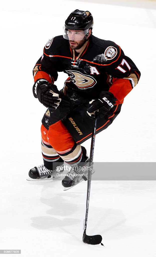 Ryan Kesler #17 of the Anaheim Ducks skates during the game against the Arizona Coyotes on February 5, 2016 at Honda Center in Anaheim, California.