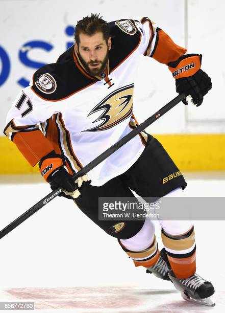 Ryan Kesler of the Anaheim Ducks warms up prior to a game against the San Jose Sharks at SAP Center on January 29 2015 in San Jose California