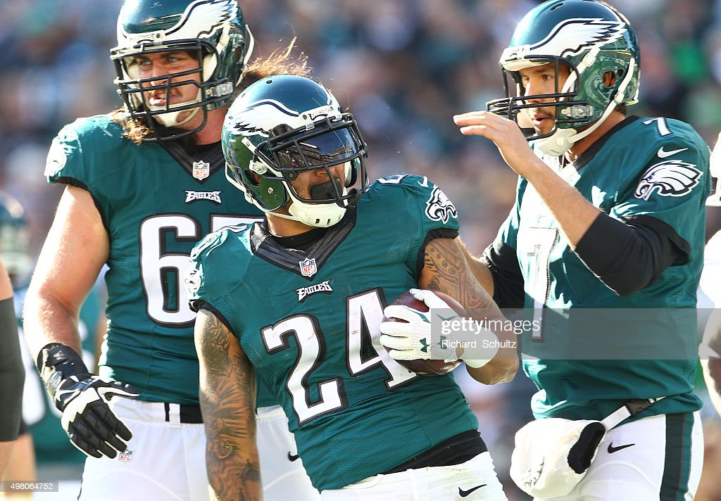 <a gi-track='captionPersonalityLinkClicked' href=/galleries/search?phrase=Ryan+Mathews+-+American+Football+Player&family=editorial&specificpeople=2082832 ng-click='$event.stopPropagation()'>Ryan Mathews</a> #24 of the Philadelphia Eagles celebrates his first quarter touchdown with quarterback <a gi-track='captionPersonalityLinkClicked' href=/galleries/search?phrase=Sam+Bradford&family=editorial&specificpeople=4489292 ng-click='$event.stopPropagation()'>Sam Bradford</a> #7 against the Miami Dolphins at Lincoln Financial Field on November 15, 2015 in Philadelphia, Pennsylvania.
