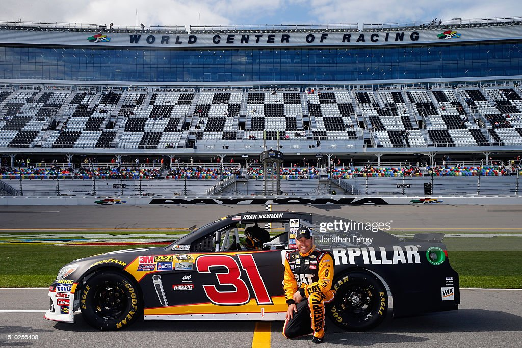 <a gi-track='captionPersonalityLinkClicked' href=/galleries/search?phrase=Ryan+Newman+-+Piloto+de+autom%C3%B3veis+de+corridas&family=editorial&specificpeople=12773547 ng-click='$event.stopPropagation()'>Ryan Newman</a>, driver of the #31 CAT Chevrolet, poses with his car after qualifying for the NASCAR Sprint Cup Series Daytona 500 at Daytona International Speedway on February 14, 2016 in Daytona Beach, Florida.