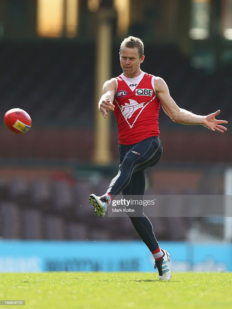 Ryan O'Keefe kicks during a Sydney Swans AFL training session at Sydney Cricket Ground on August 28, 2012 in Sydney, Australia.