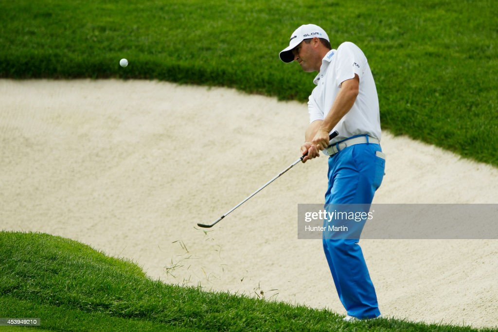 <a gi-track='captionPersonalityLinkClicked' href=/galleries/search?phrase=Ryan+Palmer&family=editorial&specificpeople=240538 ng-click='$event.stopPropagation()'>Ryan Palmer</a> chips onto the third green during the first round of The Barclays at The Ridgewood Country Club on August 21, 2014 in Paramus, New Jersey.
