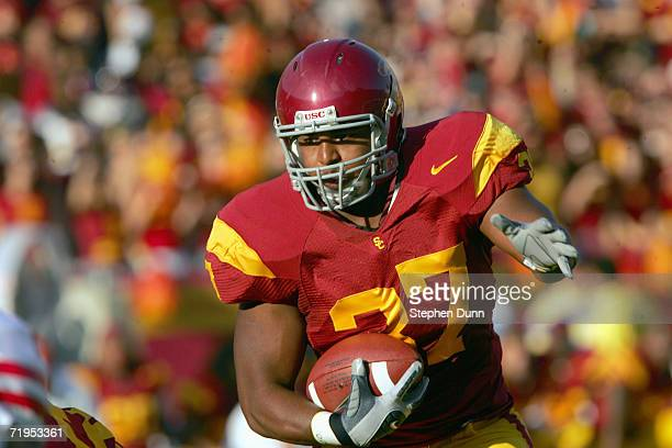 Ryan Powdrell of the USC Trojans carries the ball during the game against the Nebraska Cornhuskers on September 16 2006 at the Los Angeles Memorial...