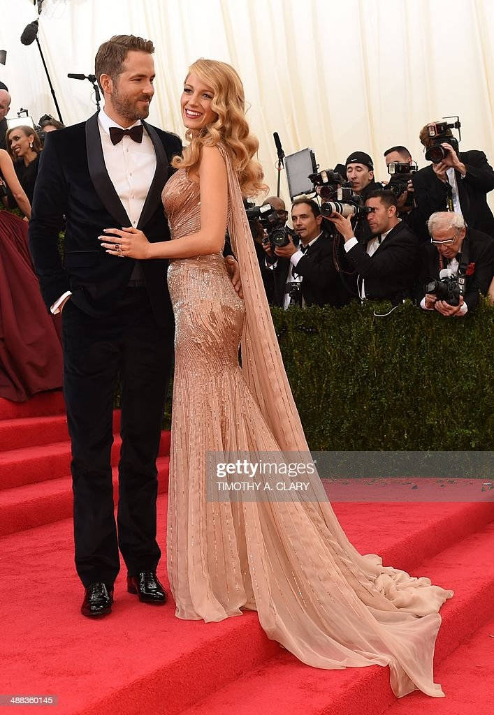Ryan Reynolds and Blake Lively arrive at the Costume Institute Benefit at The Metropolitan Museum of Art May 5, 2014 in New York. AFP PHOTO/Timothy A. CLARY