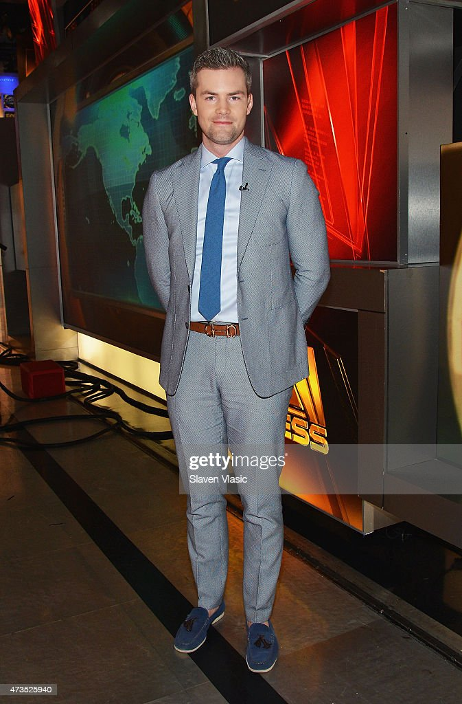 Ryan Serhant visits Fox Business Network's 'Opening Bell' at FOX Studios on May 15 2015 in New York City