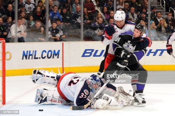 Ryan Smyth of the Los Angeles Kings scores a goal against Mathieu Garon of the Columbus Blue Jackets at Staples Center on January 8 2011 in Los...