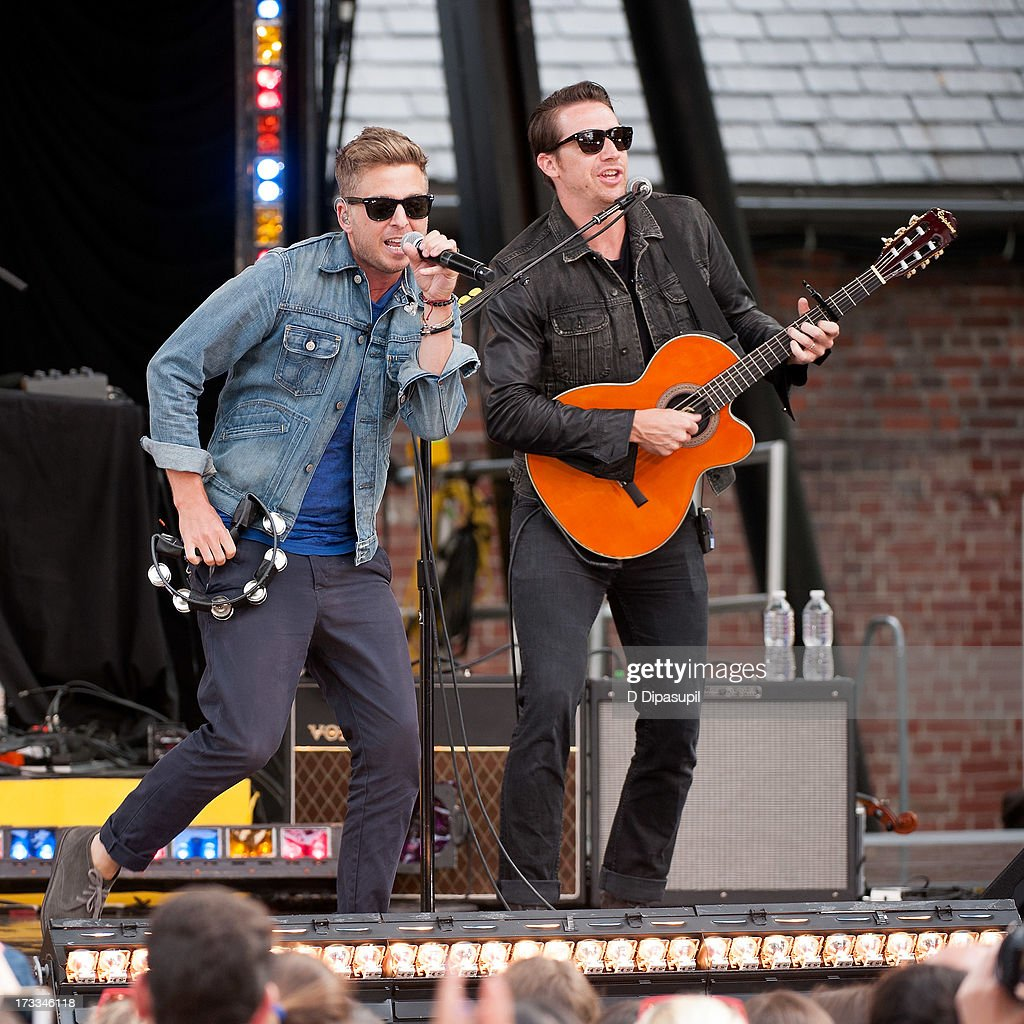 <a gi-track='captionPersonalityLinkClicked' href=/galleries/search?phrase=Ryan+Tedder&family=editorial&specificpeople=4651553 ng-click='$event.stopPropagation()'>Ryan Tedder</a> (L) and Zach Filkins of OneRepublic perform on ABC's 'Good Morning America' at Rumsey Playfield on July 12, 2013 in New York City.