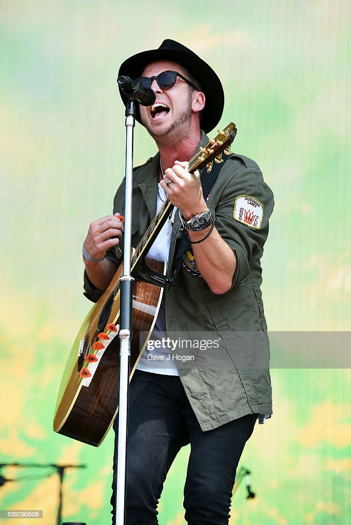 <a gi-track='captionPersonalityLinkClicked' href=/galleries/search?phrase=Ryan+Tedder&family=editorial&specificpeople=4651553 ng-click='$event.stopPropagation()'>Ryan Tedder</a> of OneRepublic performs during day 2 of BBC Radio 1's Big Weekend at Powderham Castle on May 29, 2016 in Exeter, England.
