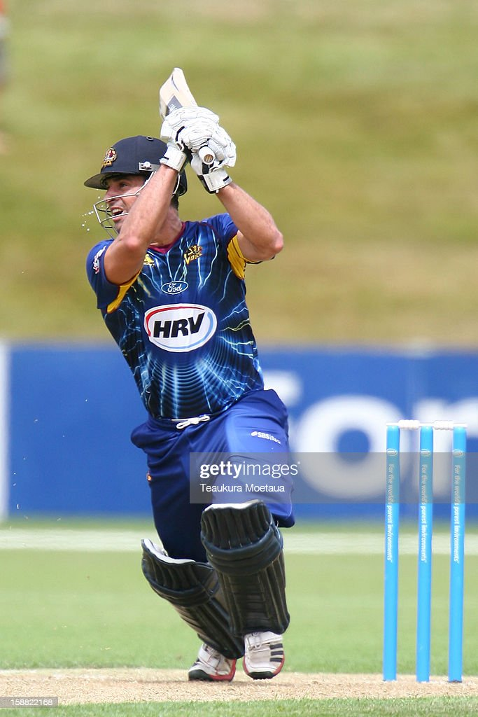 <a gi-track='captionPersonalityLinkClicked' href=/galleries/search?phrase=Ryan+ten+Doeschate&family=editorial&specificpeople=882253 ng-click='$event.stopPropagation()'>Ryan ten Doeschate</a> of Otago hits to the onside during the Twenty20 match between Otago and Auckland at Queenstown Events Centre on December 31, 2012 in Queenstown, New Zealand.