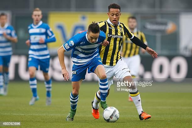 Ryan Thomas of PEC Zwolle Lewis Baker of Vitesse during the Dutch Eredivisie match between PEC Zwolle and VItesse Arnhem at the IJsseldelta stadium...