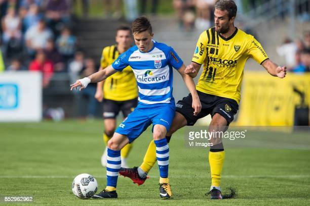 Ryan Thomas of PEC Zwolle Ralf Seuntjens of VVV Venlo during the Dutch Eredivisie match between VVV Venlo and PEC Zwolle at Seacon stadium De Koel on...