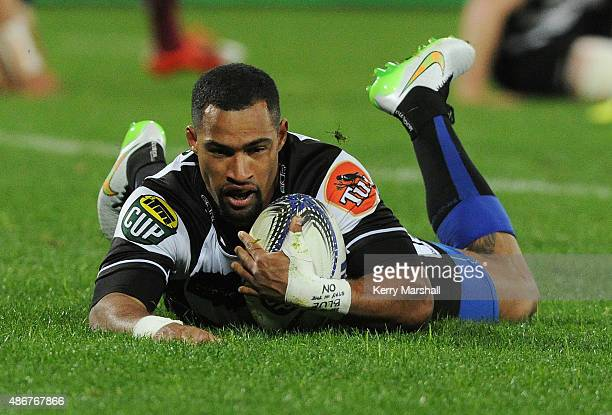 Ryan Tongia of Hawkes Bay scores a try during the ITM Cup match between Hawke's Bay and North Harbour on September 5 2015 in Napier New Zealand