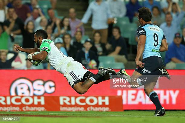 Ryan Tongia of the Highlanders scores a try during the Super Rugby match between the New South Wales Waratahs and the Highlanders at Allianz Stadium...