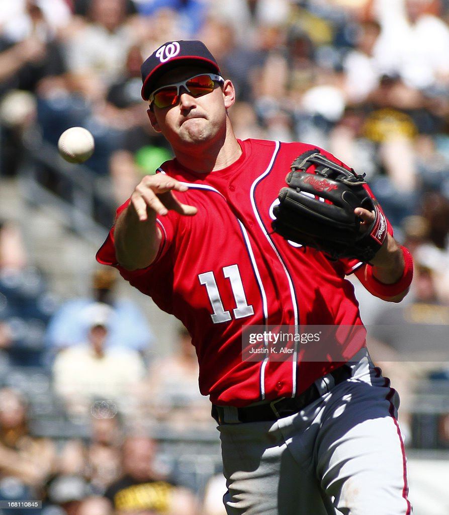<a gi-track='captionPersonalityLinkClicked' href=/galleries/search?phrase=Ryan+Zimmerman+-+Baseballspieler&family=editorial&specificpeople=534809 ng-click='$event.stopPropagation()'>Ryan Zimmerman</a> #11 of the Washington Nationals makes a throw to first base against the Pittsburgh Pirates during the game on May 5, 2013 at PNC Park in Pittsburgh, Pennsylvania.