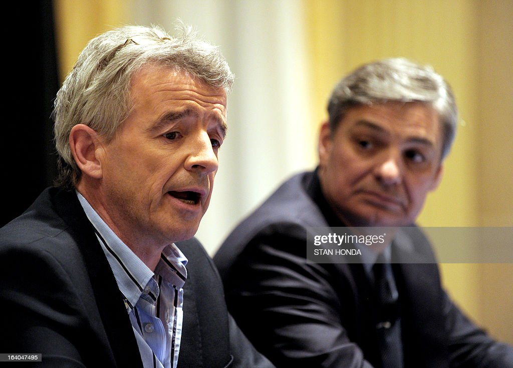 Ryanair CEO Michael O'Leary (L) and Boeing President and CEO Ray Conner (R) announce a commitment by Ryanair to order 175 Next-Generation 737-800s worth USD $15.6 billion at a press conference March 19, 2013 in New York. AFP PHOTO/Stan HONDA