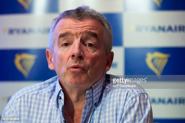 Ryanair CEO Michael O'Leary speaks during a press conference in London on August 2 2017 / AFP PHOTO / NIKLAS HALLE'N