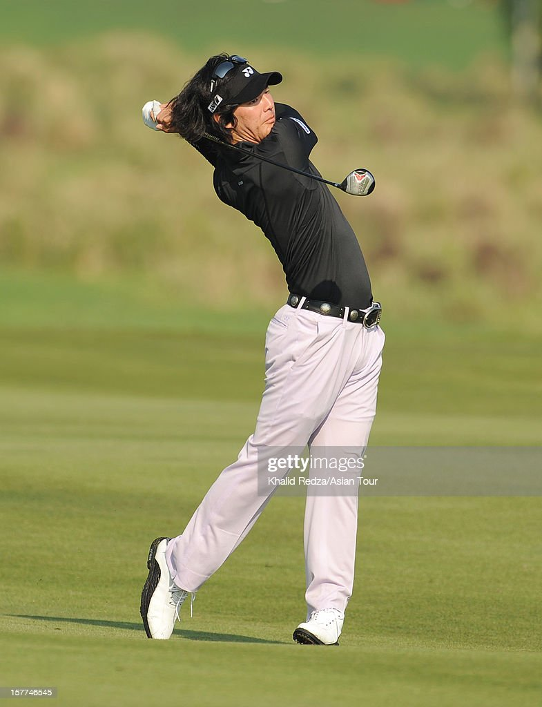 <a gi-track='captionPersonalityLinkClicked' href=/galleries/search?phrase=Ryo+Ishikawa&family=editorial&specificpeople=4297023 ng-click='$event.stopPropagation()'>Ryo Ishikawa</a> of Japan plays a shot during round one of the Thailand Golf Championship at Amata Spring Country Club on December 6, 2012 in Bangkok, Thailand.