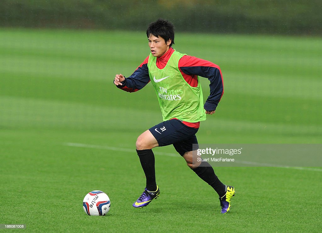 <a gi-track='captionPersonalityLinkClicked' href=/galleries/search?phrase=Ryo+Miyaichi&family=editorial&specificpeople=6444719 ng-click='$event.stopPropagation()'>Ryo Miyaichi</a> of Arsenal in action during a training session at London Colney on October 28, 2013 in St Albans, England.