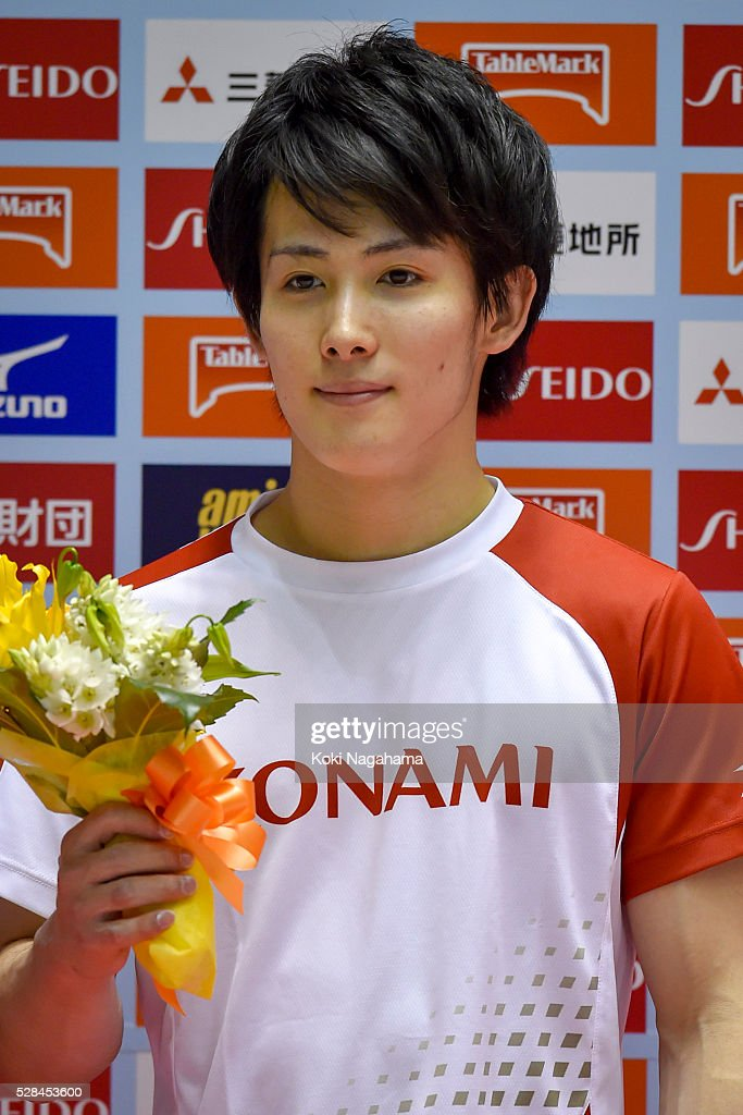 <a gi-track='captionPersonalityLinkClicked' href=/galleries/search?phrase=Ryohei+Kato&family=editorial&specificpeople=9111024 ng-click='$event.stopPropagation()'>Ryohei Kato</a> poses for photographs at the ceremony during the Artistic Gymnastics NHK Trophy at Yoyogi National Gymnasium on May 5, 2016 in Tokyo, Japan.