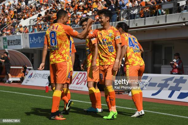 Ryohei Shirasaki of Shimizu SPulse celebrates scoring his side's first goal with his team mates during the JLeague J1 match between Shimizu SPulse...