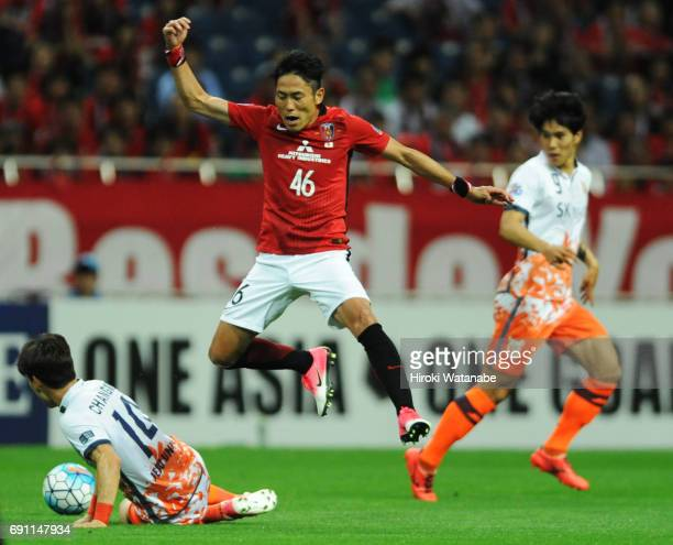 Ryota Moriwaki of Urawa Red Diamonds in action during the AFC Champions League Round of 16 match between Urawa Red Diamonds and Jeju United FC at...