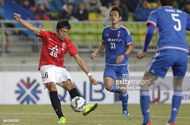 Ryota Moriwaki of Urawa Red Diamonds scores a goal during the AFC Champions League Group G match between Suwon Samsung FC and Urawa Red Diamonds at...