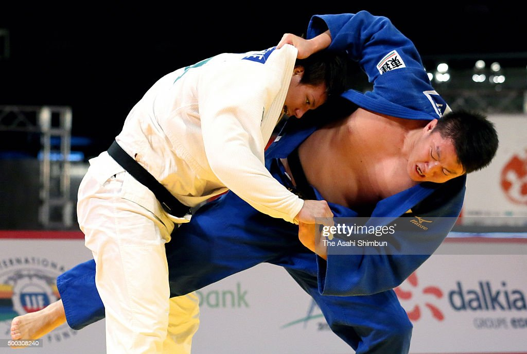 <a gi-track='captionPersonalityLinkClicked' href=/galleries/search?phrase=Ryu+Shichinohe&family=editorial&specificpeople=9207686 ng-click='$event.stopPropagation()'>Ryu Shichinohe</a> (white) and <a gi-track='captionPersonalityLinkClicked' href=/galleries/search?phrase=Hisayoshi+Harasawa&family=editorial&specificpeople=10881726 ng-click='$event.stopPropagation()'>Hisayoshi Harasawa</a> (blue) of Japan compete in the Men' +100kg final during day three of the Judo Grand Slam at Tokyo Metropolitan Gymnasium on December 6, 2015 in Tokyo, Japan.