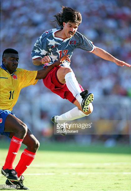 USA's 21 VICTORY OVER COLUMBIA IN THE 1994 WORLD CUP AT THE ROSE BOWL IN PASADENA CALIFORNIA Mandatory Credit Shaun Botterill/ALLSPORT