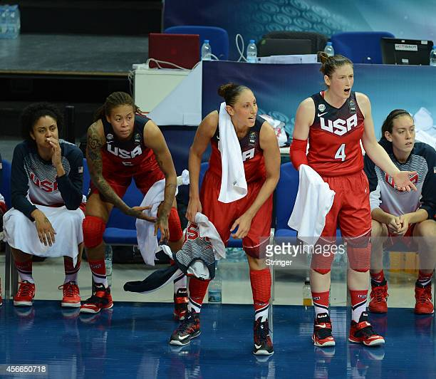 USA's bench reacts during the 2014 FIBA Women's World Championship semifinal basketball match between Australia and USA at the Fenerbahce Ulker...