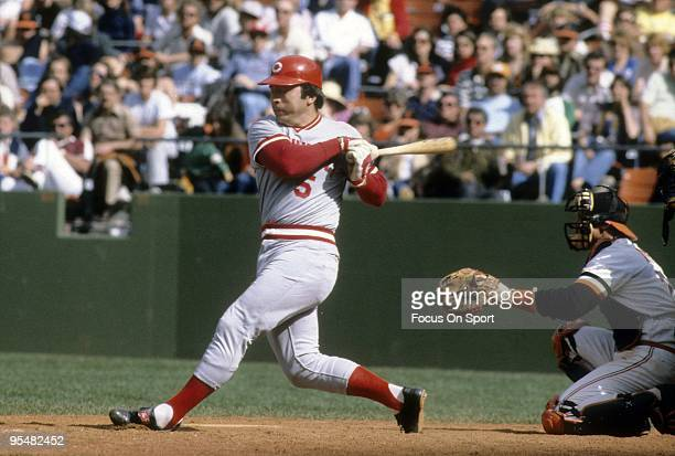 SAN FRANCISCO CA CIRCA 1970's Catcher Johnny Bench of the Cincinnati Reds swings at a pitch and watches the flight of his ball against the San...