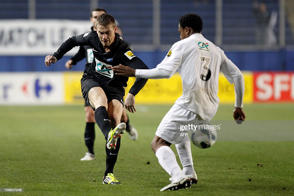 CAB's French forward Vincent Le Mat (L) vies with Brest's French midfielder Tripy Makonda during the French football Cup match CA Bastia (CAB) vs Brest (SB29) at the Armand Cesari stadium in Bastia, French Mediterranean island of Corsica, on January 23, 2013. AFP PHOTO / PASCAL POCHARD-CASABIANCA
