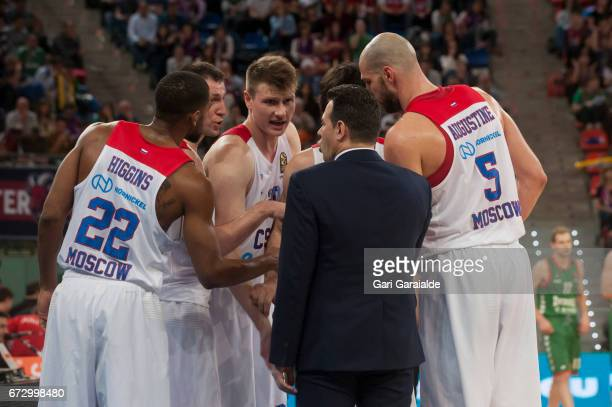CSKA's Greek Head Coach Dimitris Itoudis talks to his players during the Turkish Airlines Euroleague Basketball Playoff 3rd game between Baskonia...