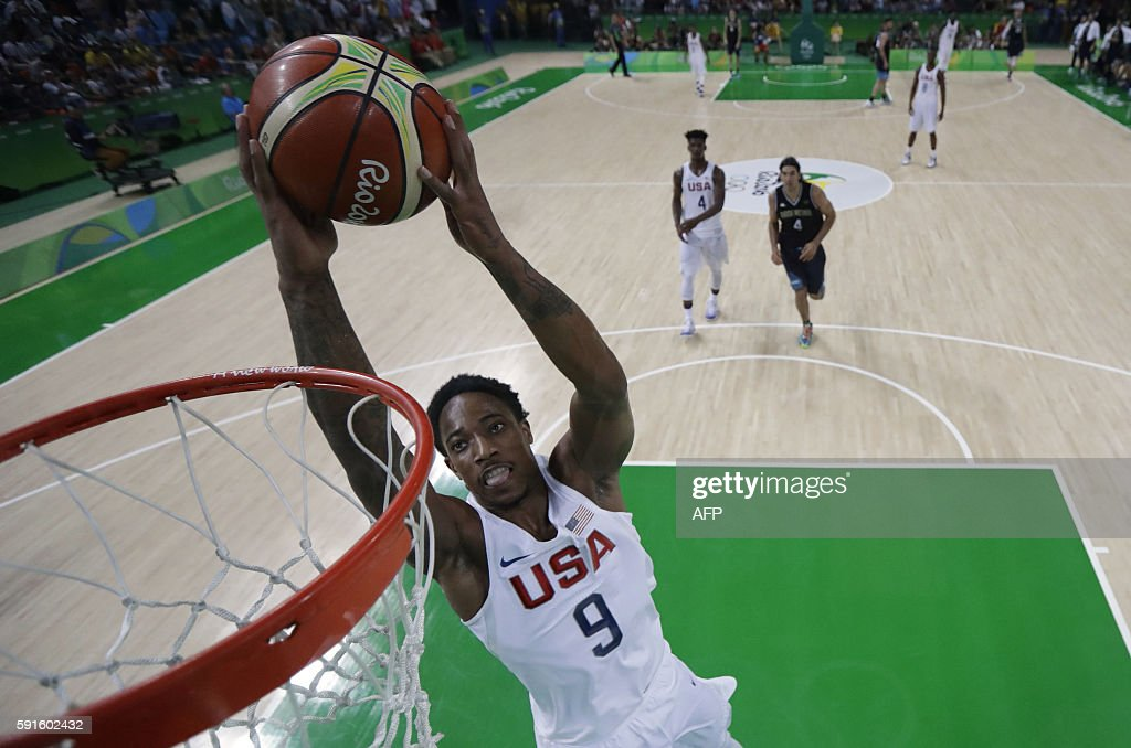 USA's guard Demar Derozan scores during a Men's quarterfinal basketball match between USA and Argentina at the Carioca Arena 1 in Rio de Janeiro on...