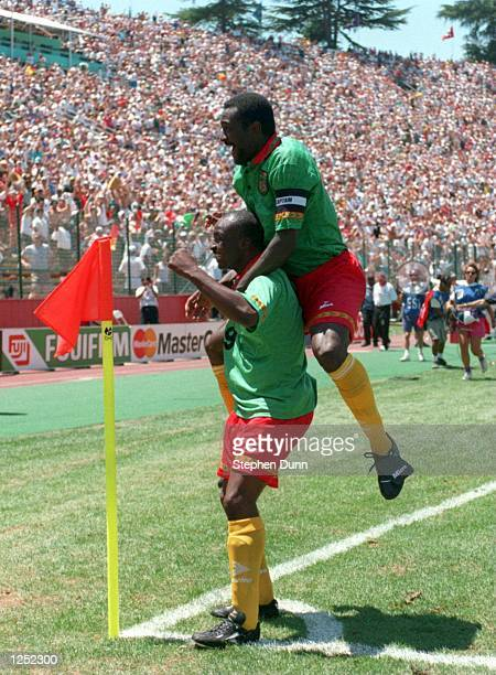 CAMEROON's ONLY GOAL AGAINST RUSSIA DURING THEIR 1994 WORLD CUP MATCH AT THE STANFORD STADIUM IN PALO ALTO CALIFORNIA Mandatory Credit Stephen...