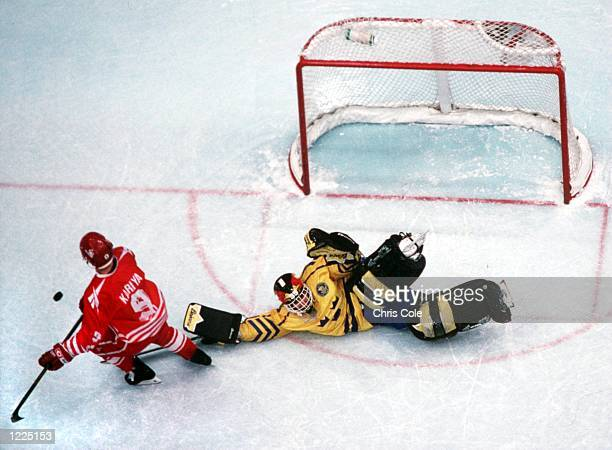 CANADA's PAUL KARIYA IN AN OVERTIME SHOOTOUT TO WIN THE HOCKEY FINAL 32 AT THE 1994 WINTER OLYMPICS IN LILLEHAMMER Mandatory Credit Chris...