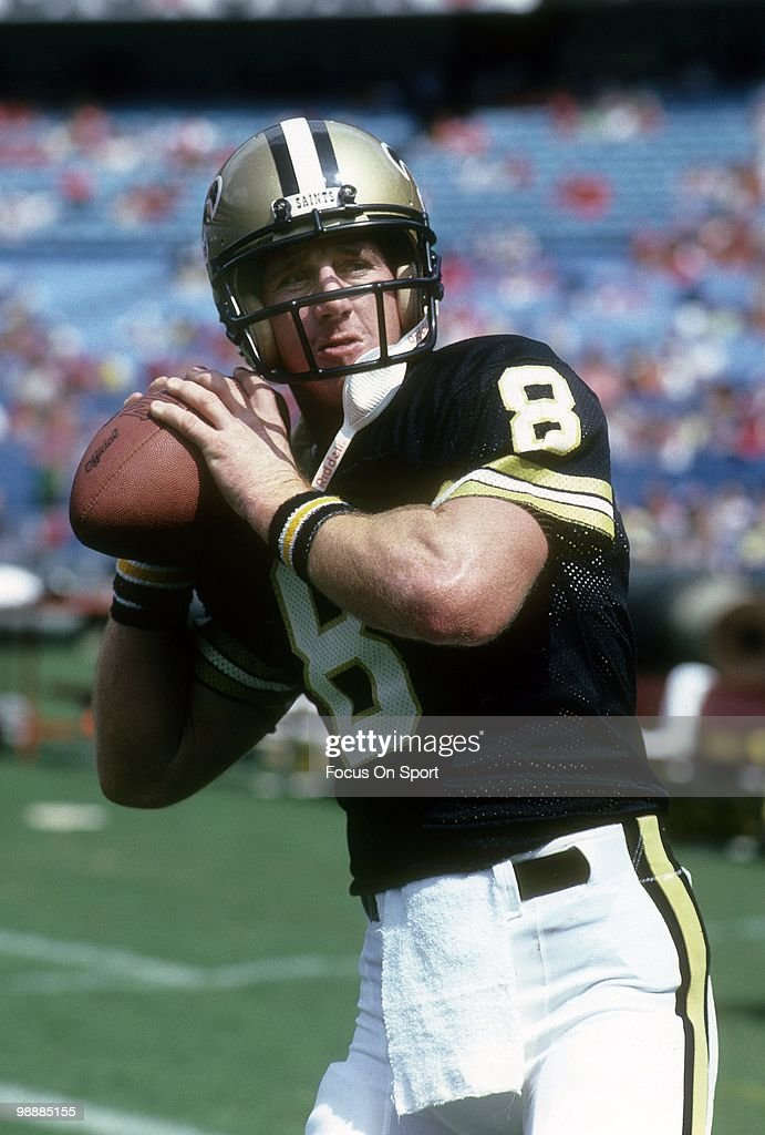 Quarterback <a gi-track='captionPersonalityLinkClicked' href=/galleries/search?phrase=Archie+Manning&family=editorial&specificpeople=453294 ng-click='$event.stopPropagation()'>Archie Manning</a> of the New Orleans Saints in pre-game warm-ups before an early circa 1980's NFL football game against the Atlanta Falcons at Atlanta-Fulton County Stadium in Atlanta, Georgia. Manning played for the Saints from 1971-82.