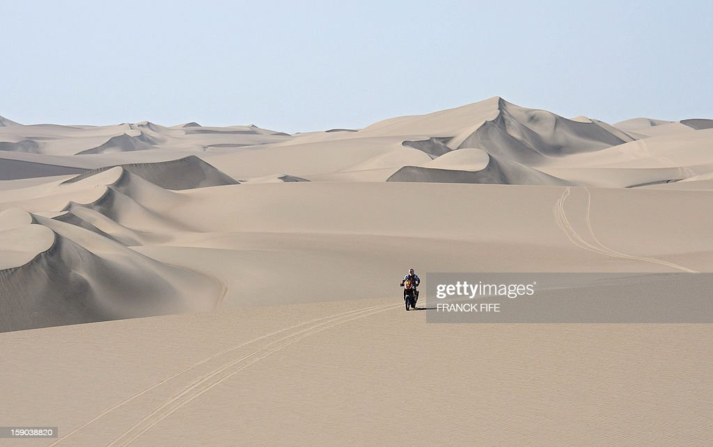 KTM's rider Cyril Despres of France competes during the Stage 2 of the Dakar 2013 in Pisco, Peru, on January 6, 2013. The rally will take place in Peru, Argentina and Chile from January 5 to 20.