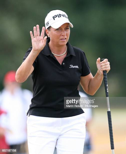 USA's Sherri Steinhauer salutes the crowd after a birdie on the fourth green during the final round of the Weetabix Women's British Open at Royal...