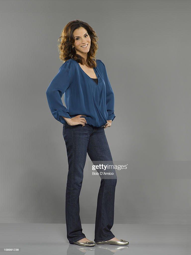 THE NEIGHBORS - ABC's 'The Neighbors' stars Jami Gertz as Debbie Weaver.