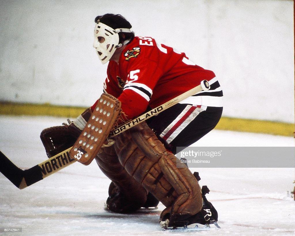 ... MA - 1970s Tony Esposito 35 of the Chicago Black Hawks tends 2017 Chicago  Blackhawks Throwback 35 Tony Esposito Jersey Men ... 7edd64d92