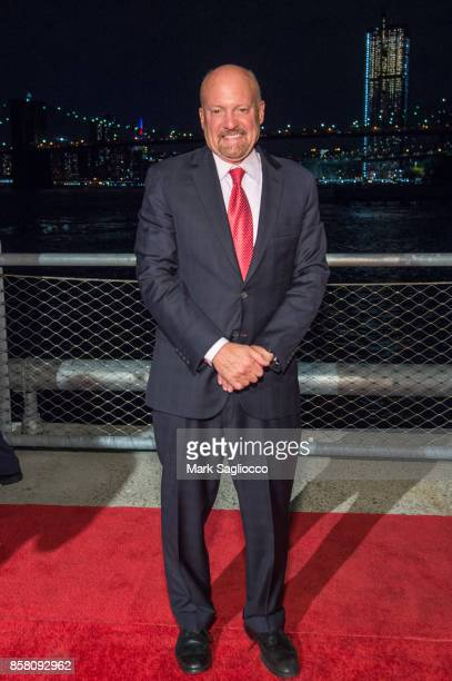 CNBC's TV Personality Jim Kramer attends the 2017 Brooklyn Bridge Park Conservancy Brooklyn Black Tie Ball at Pier 2 at Brooklyn Bridge Park on...