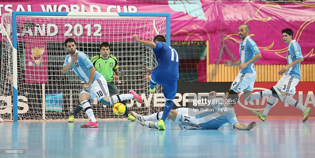 Saad Assis of Italy scores a goal during the FIFA Futsal World Cup Thailand 2012, Group D match between Argentina and Italy at Nimibutr Stadium on November 5, 2012 in Bangkok, Thailand.
