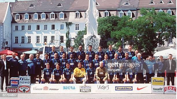 2 BUNDESLIGA 01/02 Saarbruecken 1 FC SAARBRUECKEN TEAM/Mannschaft hintere Reihe vli nre Martin MOLZ Raphael SUSIC Daniel KOVACEVIC Master Adiele...