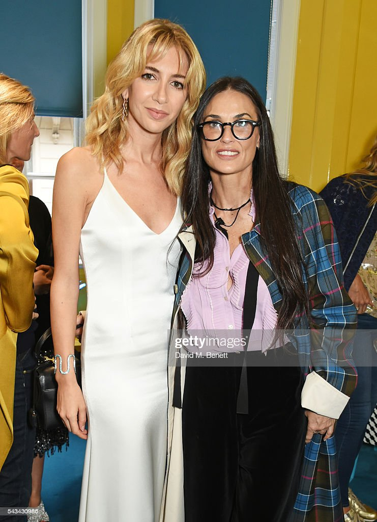 Sabine Getty (L) and <a gi-track='captionPersonalityLinkClicked' href=/galleries/search?phrase=Demi+Moore&family=editorial&specificpeople=202121 ng-click='$event.stopPropagation()'>Demi Moore</a> attend a drinks reception and dinner in celebration of the Sabine Getty Showroom in Berkeley Square on June 28, 2016 in London, England.