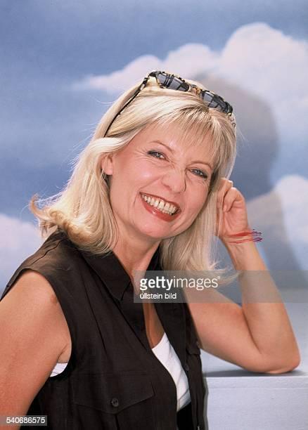 Sabine Postel * Schauspielerin D Undatiertes Foto Einzelaufnahme