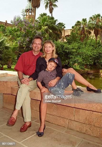 , Sabine Postel mit Ehemann Dr. Otto; Riewoldt und Sohn