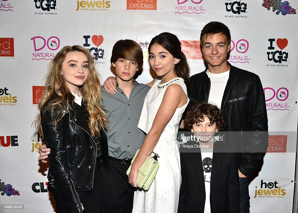 corey fogelmanis and sabrina carpenter dating How well do you really know sabrina carpenter corey fogelmanis she has three sisters sarah shannon and cayla and she was rumoured to be dating twoof.
