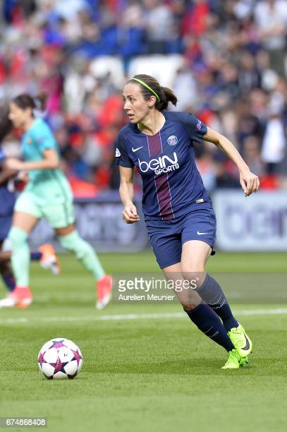 Sabrina Delannoy of Paris SaintGermain runs with the ball during the Women's Champions League match between Paris Saint Germain and Barcelona at Parc...